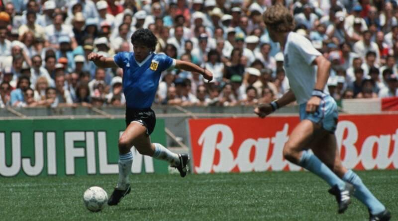 Il mondo perde Maradona 1